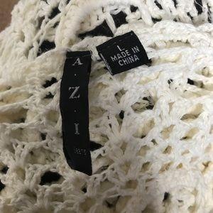 azi jeans Sweaters - AZI Jeans White Floral Knit Tunic Tank Large